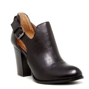 14th & Union Lawson Cutout Booties